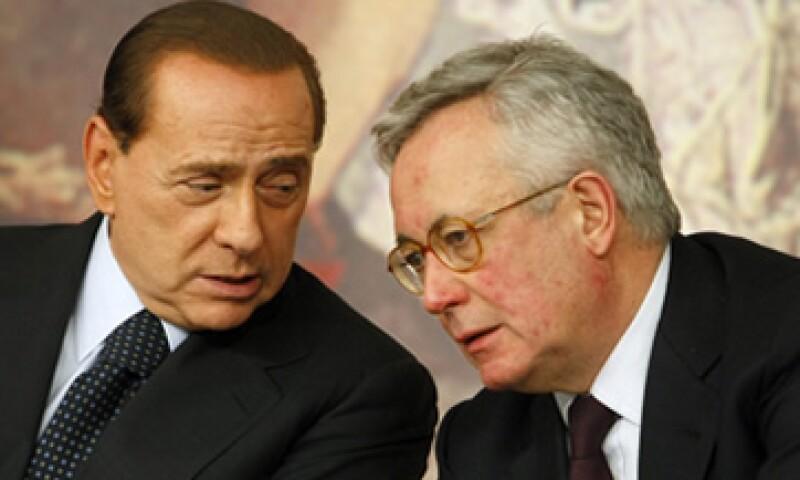 Berlusconi, PM de Italia, se enfrentó públicamente con Tremonti, ministro de economía, quien podría renunciar a su cargo. (Foto: AP)