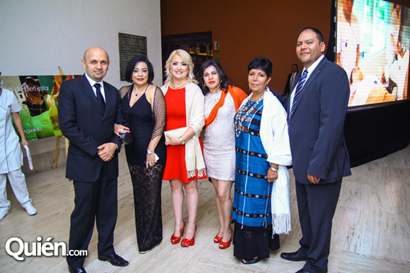 Jorge Arturo Rivero,Patricia Hernández,Saralina Gamboa,Karina Velázquez,Eva Garibay y Pedro Cerón