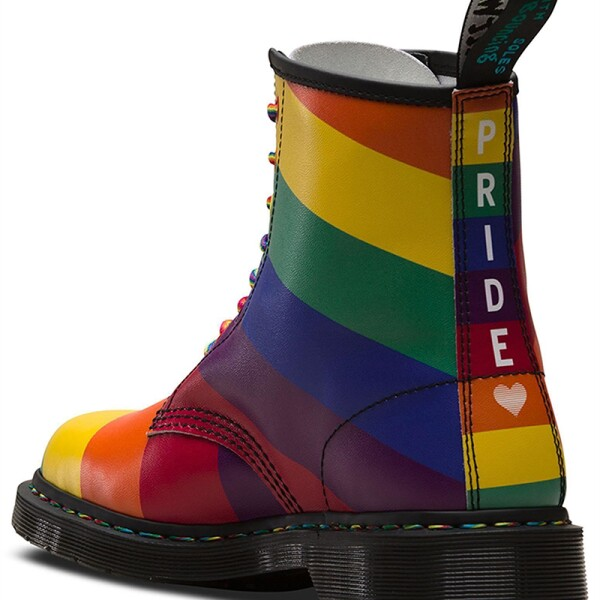 moda-pride-dr-martens-2