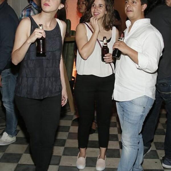 Daniela Correa,Fátima Olascuaga y Erik Lozano