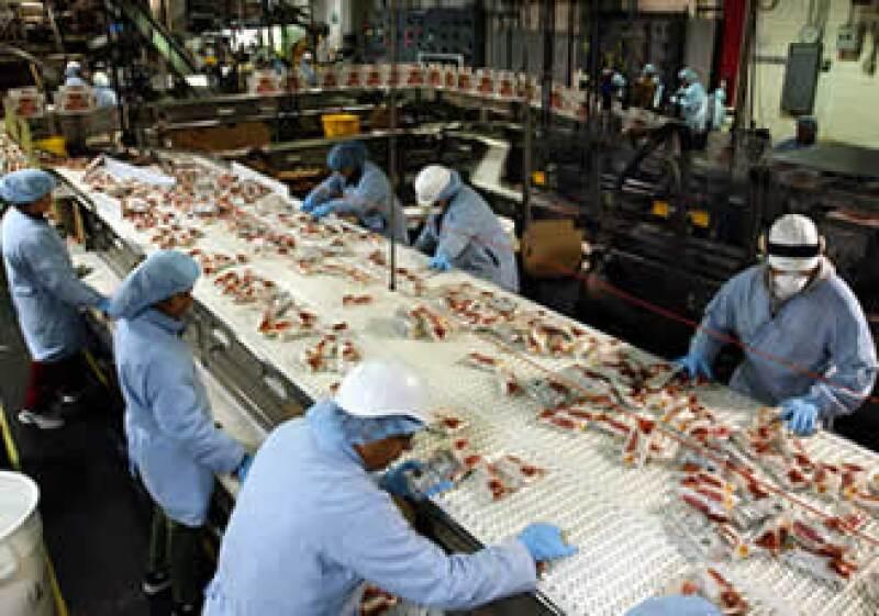 Actualmente, sólo el Presidente de la República tiene la facultad para cambiar las reglas a la industria maquiladora. (Foto: AP)