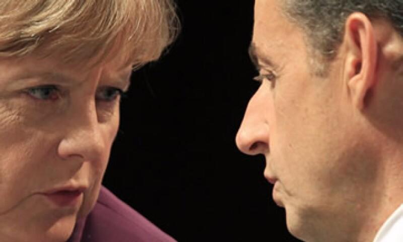 Merkel y Sarkozy no han logrado concretar una ruta para enfrentar la crisis de deuda que afecta a la eurozona. (Foto: Reuters)