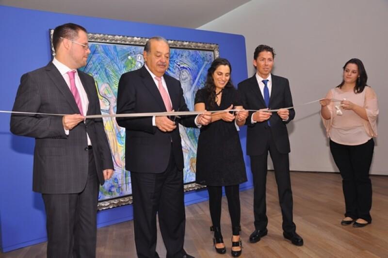El corte de listón inaugural estuvo a cargo de Alfonso Miranda, director del Museo, Soumaya Slim de Romero, Carlos Slim y el arquitecto Fernando Romero.