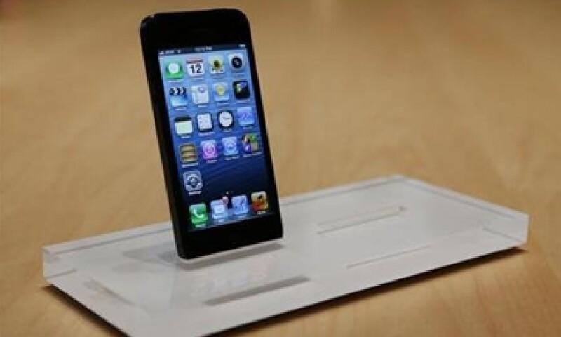 BlackBerry dice que la forma en que trabaja el iPhone, ya no es lo que la gente quiere de un móvil. (Foto: Reuters)