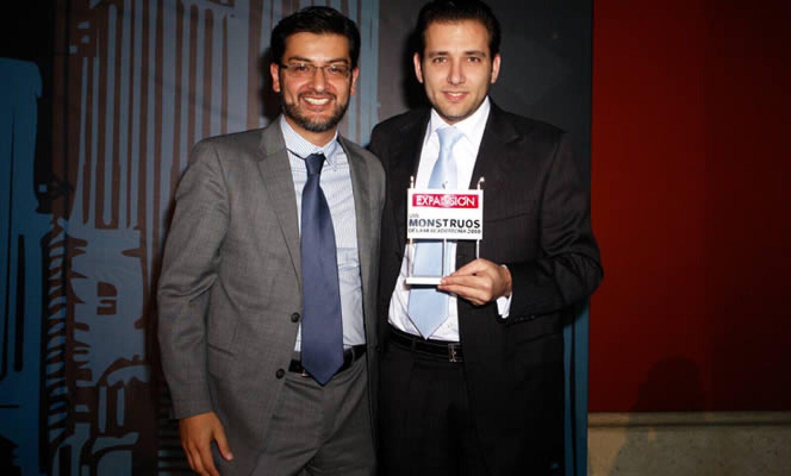 Fernando Ortiz, director de marca de Cerveza Sol y Adolfo Ortega.