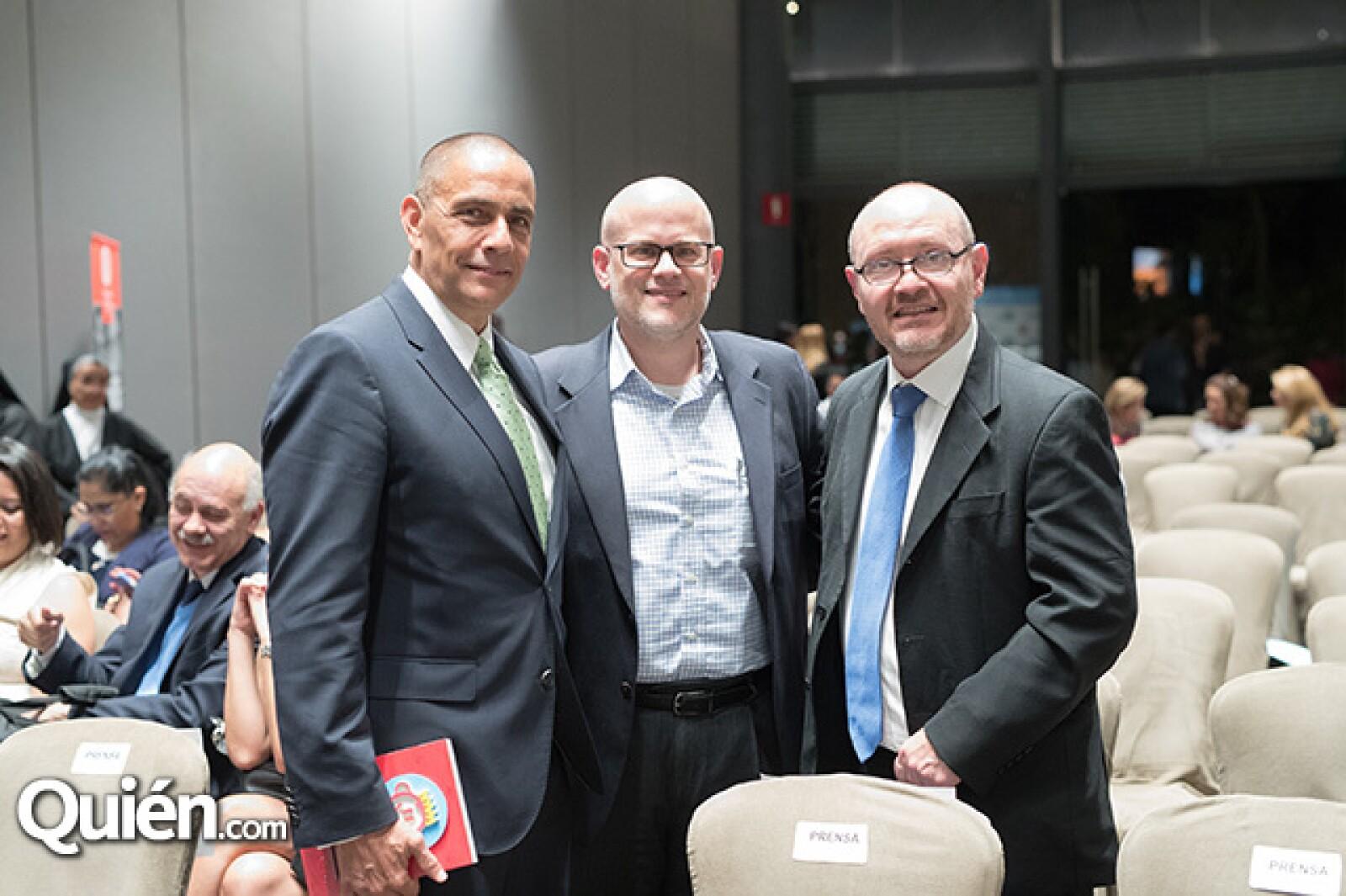 Luis Manuel Hernández, David McCauley y Gabriel Huit
