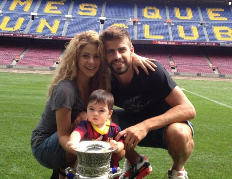 La familia posó sonriente tras el trinfo de Piqué sobre el Atlético.