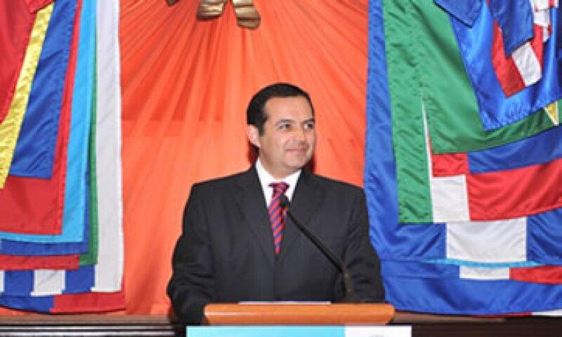 El secretario de Hacienda, Ernesto Cordero, no espera presiones políticas en la negociación del Presupuesto 2012. (Foto: Notimex)
