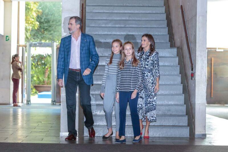 Rey Felipe VI, infanta Sofía, princesa Leonor y la reina Letizia