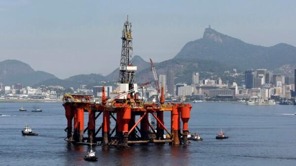 FILE PHOTO: To match analysis BRAZIL-POLITICS/OIL
