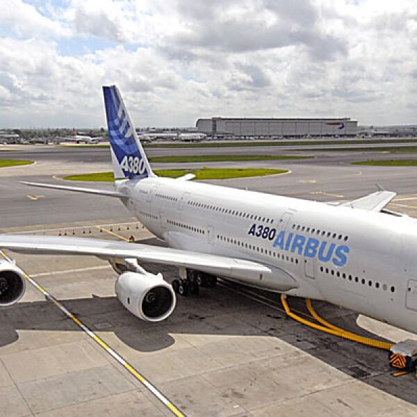 Los materiales que componen la aeronave le restan 15 toneladas de peso, comparado con un avión de otras características.