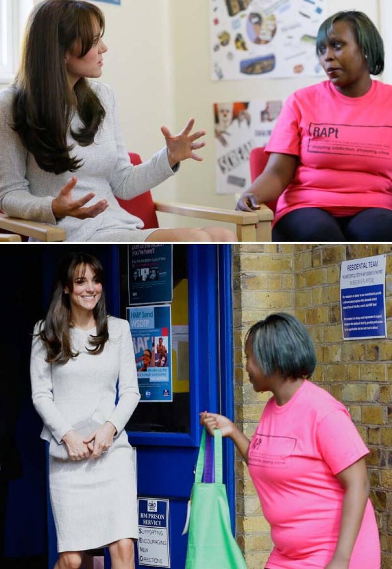 La royal mom hizo una parada inesperada en la cárcel femenil de Inglaterra, donde tuvo oportunidad de platicar con algunas reclusas, dejando ver su lado más humanitario.
