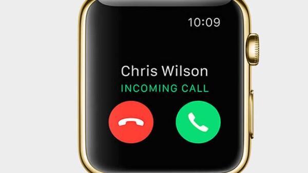 El smartwatch permite al usuario ver el clima, sus correos electrónicos, contestar llamadas y dibujar.