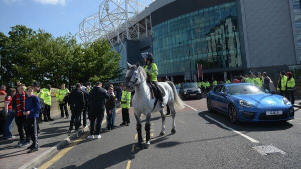 Las autoridades evacuaron a las personas 20 minutos antes de que empezara el partido.