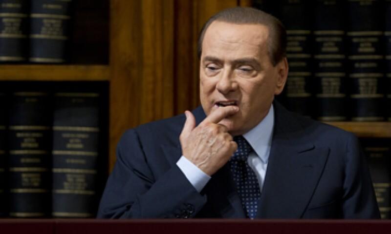El propio Berlusconi ofreció varias señales recientemente sobre sus planes de volver a la política, al quejarse de las políticas de austeridad impulsadas por su sucesor Mario Monti. (Foto: AP)