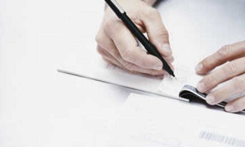 Los problemas con cheques aún figuran entre los 10 principales motivos de controversias presentadas en Condusef. (Foto: Thinkstock)