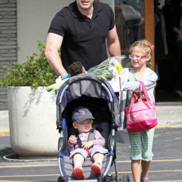 Violet y Samuel cuentan con el papá más amoroso y sexy, Ben Affleck.