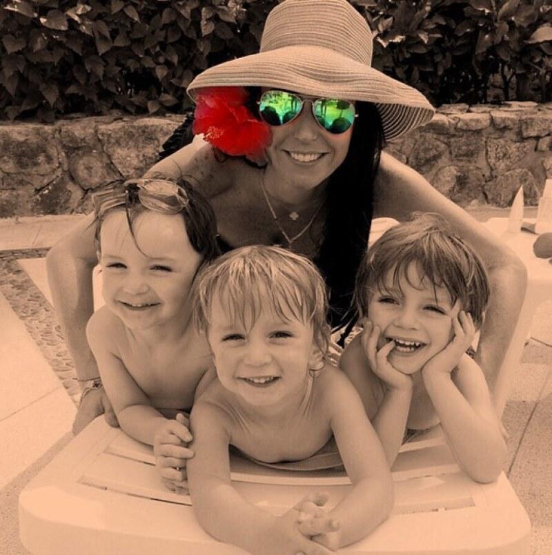 Por su parte, Inés Gómez Mont también compartió esta tierna foto con sus pequeños.