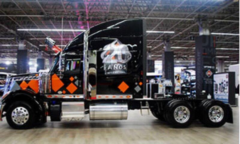 Entre los camiones ecológicos destaca el modelo Lonestar, de Navistar.  (Foto: Enrique Torres )