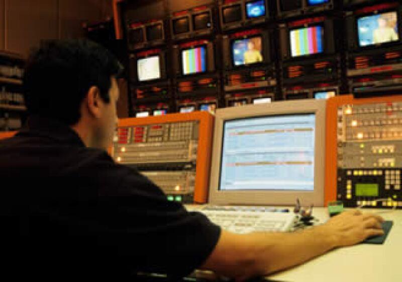 Televisa ya ofrece servicios de integrados de TV restringida, telefonía fija y acceso a Internet en México. (Archivo)
