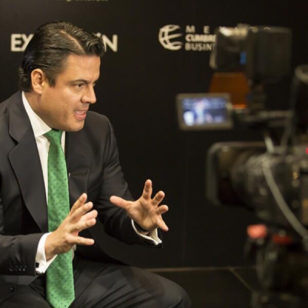 El gobernador de Jalisco anunció que Grupo Dragón hará una inversión de 200 mdd en la entidad para producir energía eólica.