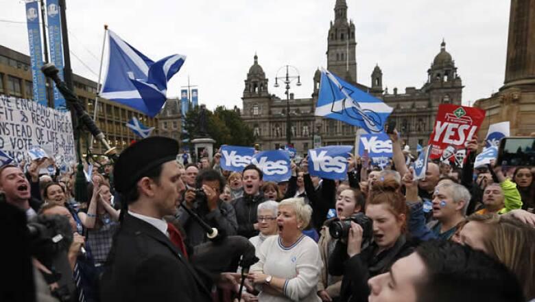 Alrededor de cuatro millones de votantes escoceses están convocados para responder a la pregunta ¿Escocia debería de ser un país independiente? , cuya respuesta tiene implicaciones para la economía del Reino Unido y Europa.