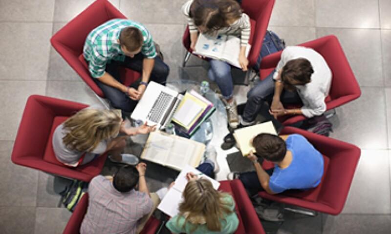 Gracias a Internet los jóvenes pueden conocer diferentes marcas y entablar una relación con ellas. (Foto: Getty Images)