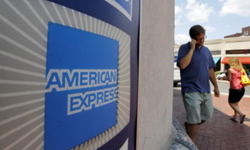 American Express ganó 743 mdd en sus tarjetas de crédito en EU.  (Foto: AP)