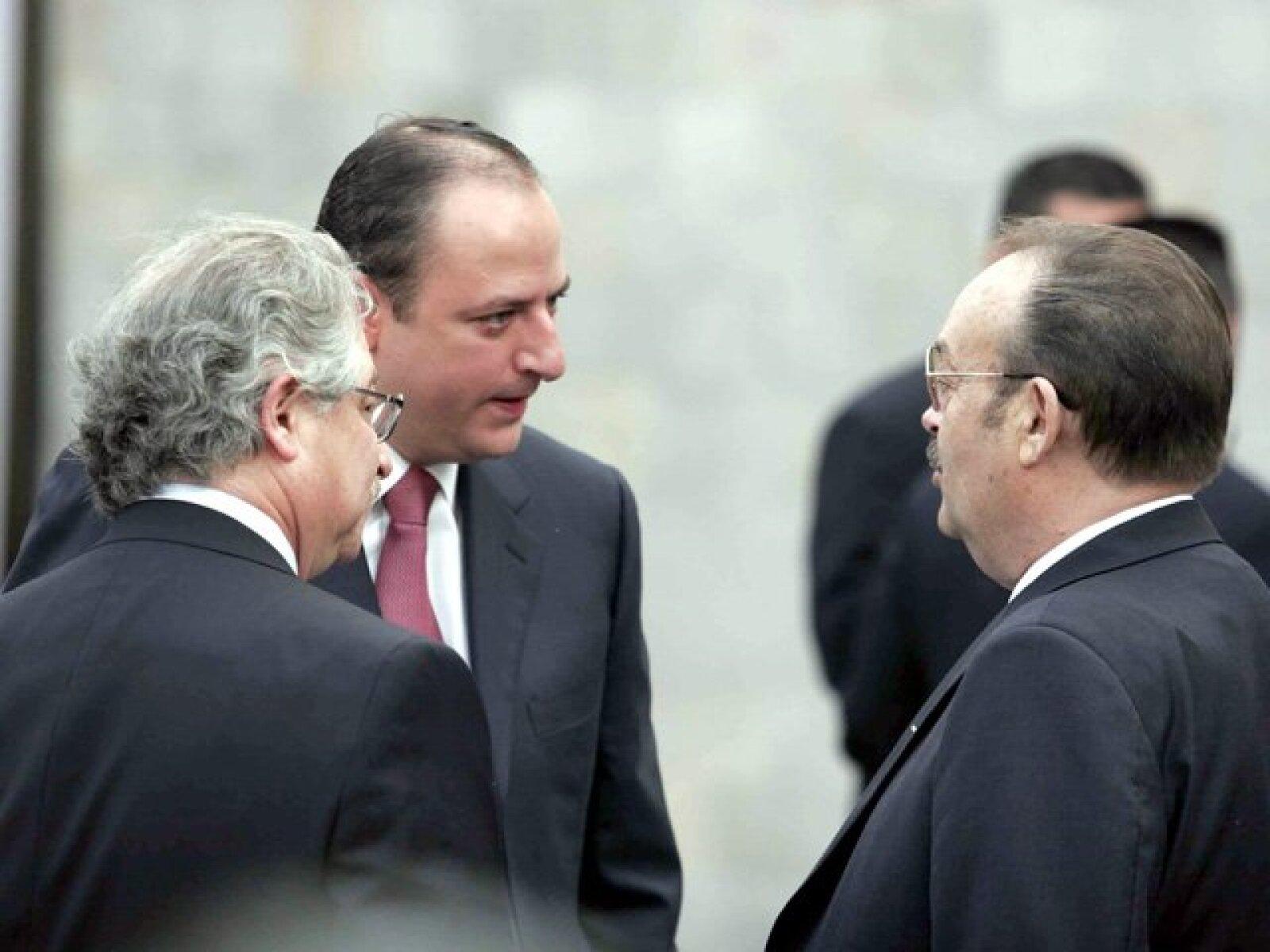 Juan Francisco Ealy Jr. y Mario Vázquez Raña a su llegada a la cena en honor al mandatario estadounidense.
