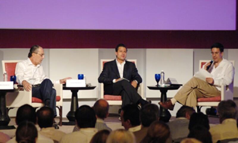 Los banqueros cuestionaron al candidato sobre su estrategia de seguridad. (Foto: Notimex)