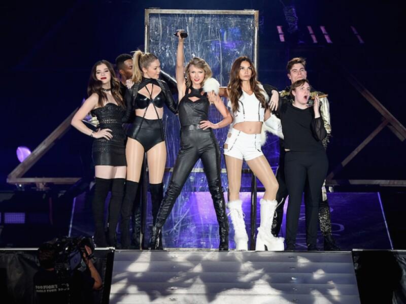 La cantante nos vuelve a demostrar que, cuando se trata de tener amistades famosas, ella es la indiscutible ganadora.