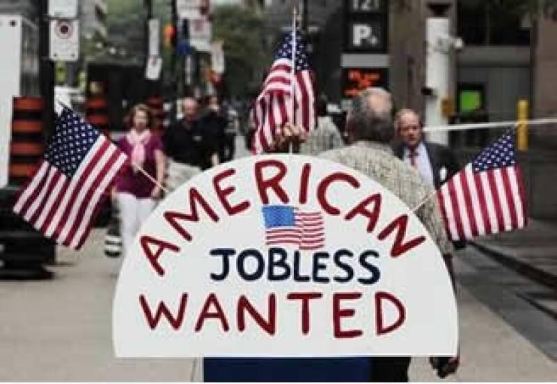 El voto apoyó una legislación que reduce el plazo para solicitar prestaciones federales por desempleo hasta finales de noviembre. (Foto: Reuters)