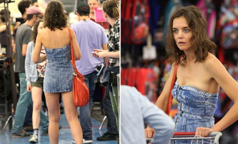 La actriz se aventuró con un apretado outfit para su papel en 'All We Had', pero más que hacerla ver súper hot, mostró sus atributos de una forma poco halagadora.