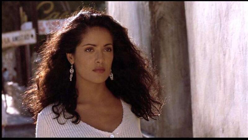La esposa de Pinault platicó sobre la escena que filmó con Antonio Banderas, en Desperado, y de sus duros inicios en Estados Unidos debido a su origen mexicano.