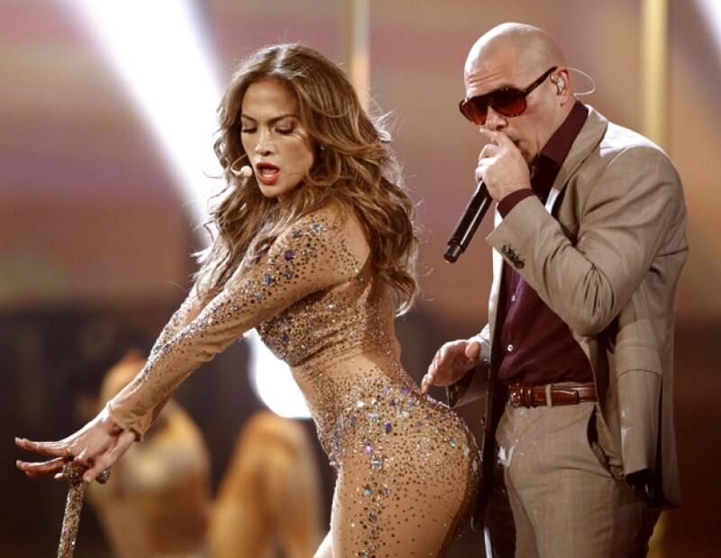 Jennifer Lopez puso a temblar a Pitbull con sus sensuales movimientos.