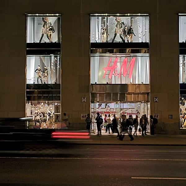 La cadena H&M anunció que llegará a territorio nacional en otoño de 2012, al Centro Comercial Santa Fé, al poniente de la Ciudad de México. En la imagen podemos ver una de sus tiendas en la Gran Manzana.