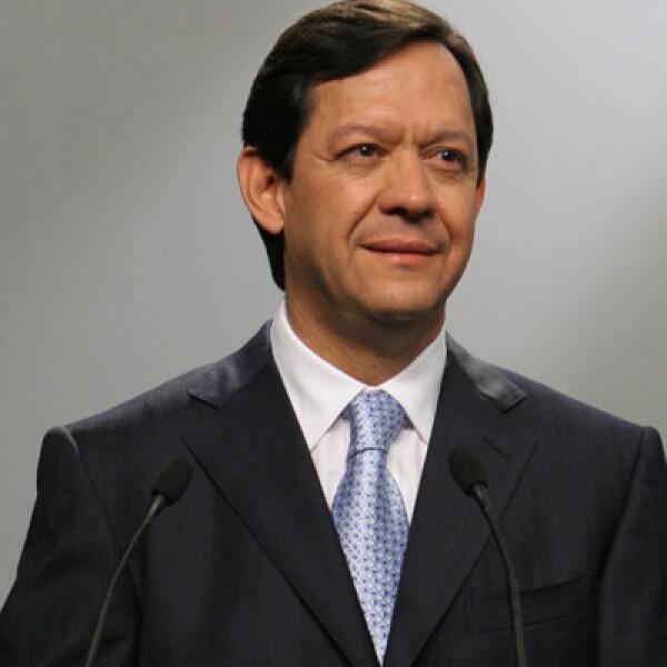 El último lugar de la elección del 2006 fu funcionario público en el Gobierno de Felipe Calderón, pero renunció en 2008. Actualmente está alejado de la vida pública.