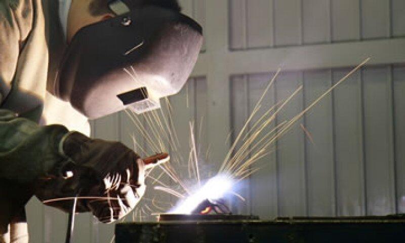 Durante el periodo, la manufactura tuvo un desplome de 5.8% a tasa anual.  (Foto: Getty Images)