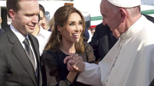 Anahí, Manuel Velasco, Papa Francisco