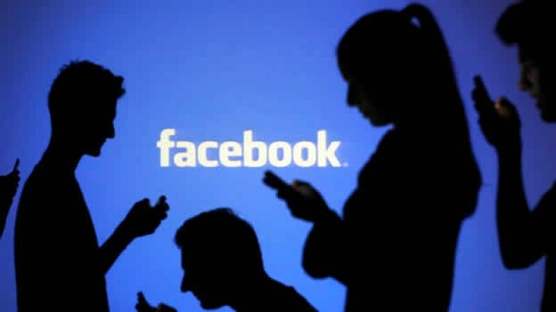 Facebook down.