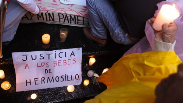 Padres de familia y organizaciones sociales exigen justicia en el caso del incendio de la ABC