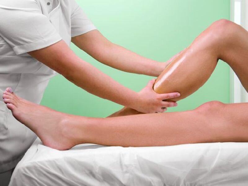 MUCHAS VENTAJAS. El tratamiento es ideal para aliviar el dolor que causan los zapatos de tacón.