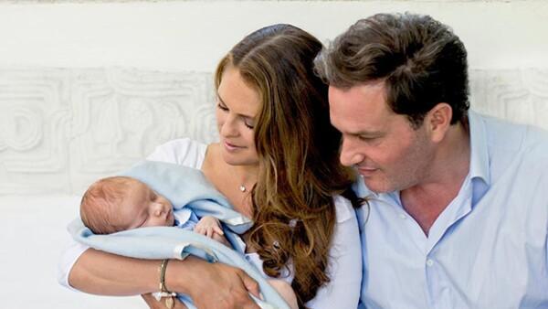 La princesa compartió nuevas fotos de Nicolás, su segundo hijo al lado de Chris O´Neill y que apenas tiene un mes y medio, tomadas durante sus vacaciones de verano.
