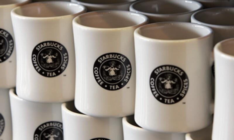 Starbucks planea amplificar su mensaje de unión a través de redes sociales. (Foto: AP)