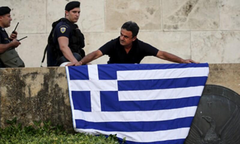 Grecia quedó comprometida a hacer importantes concesiones y quedar bajo supervisión externa. (Foto: Reuters )