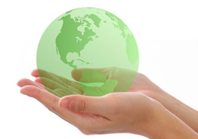 Si bien por el momento la industria no puede prescindir de los envases y empaques, se han buscado alternativas para disminuir el impacto ecológico de los éstos. (Foto: Dreamstime)