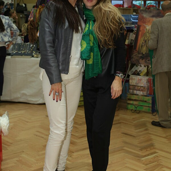 Teresa García y Roxana Martínez