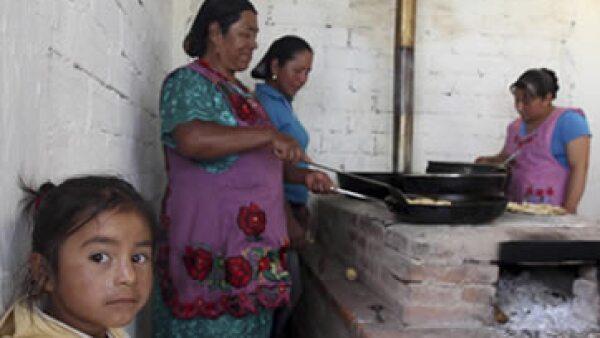 En dos años, el número de mexicanos que padecen pobreza se elevó. (Foto: Cuartoscuro )