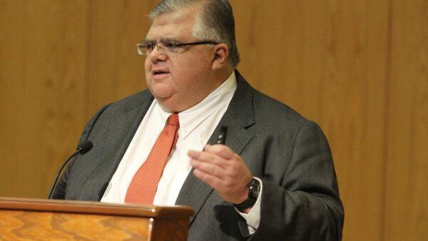 Agustín Carstens dice que tiene claro su mandato de mantener los precios bajo control