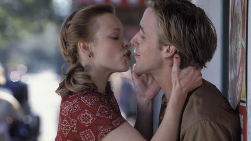 En The Notebook la actriz tiene fuertes encuentros con Ryan Gosling.